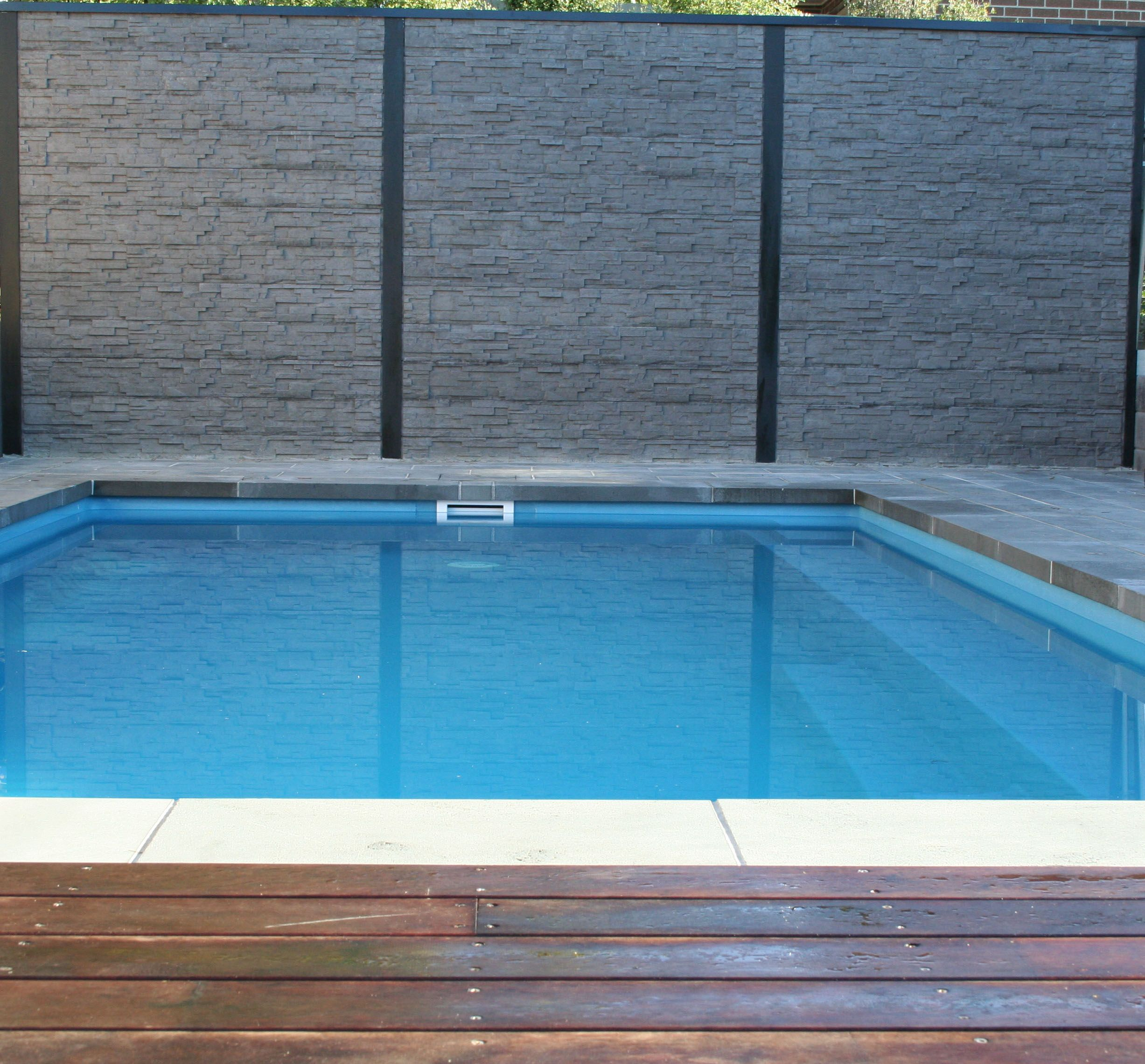 Pool Feature Wall or Retaining Wall Concrete Sleepers in Stackstone ...
