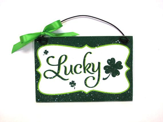 Lucky mini sign. 4x6 size with clovers. by DiamondDustDesigns