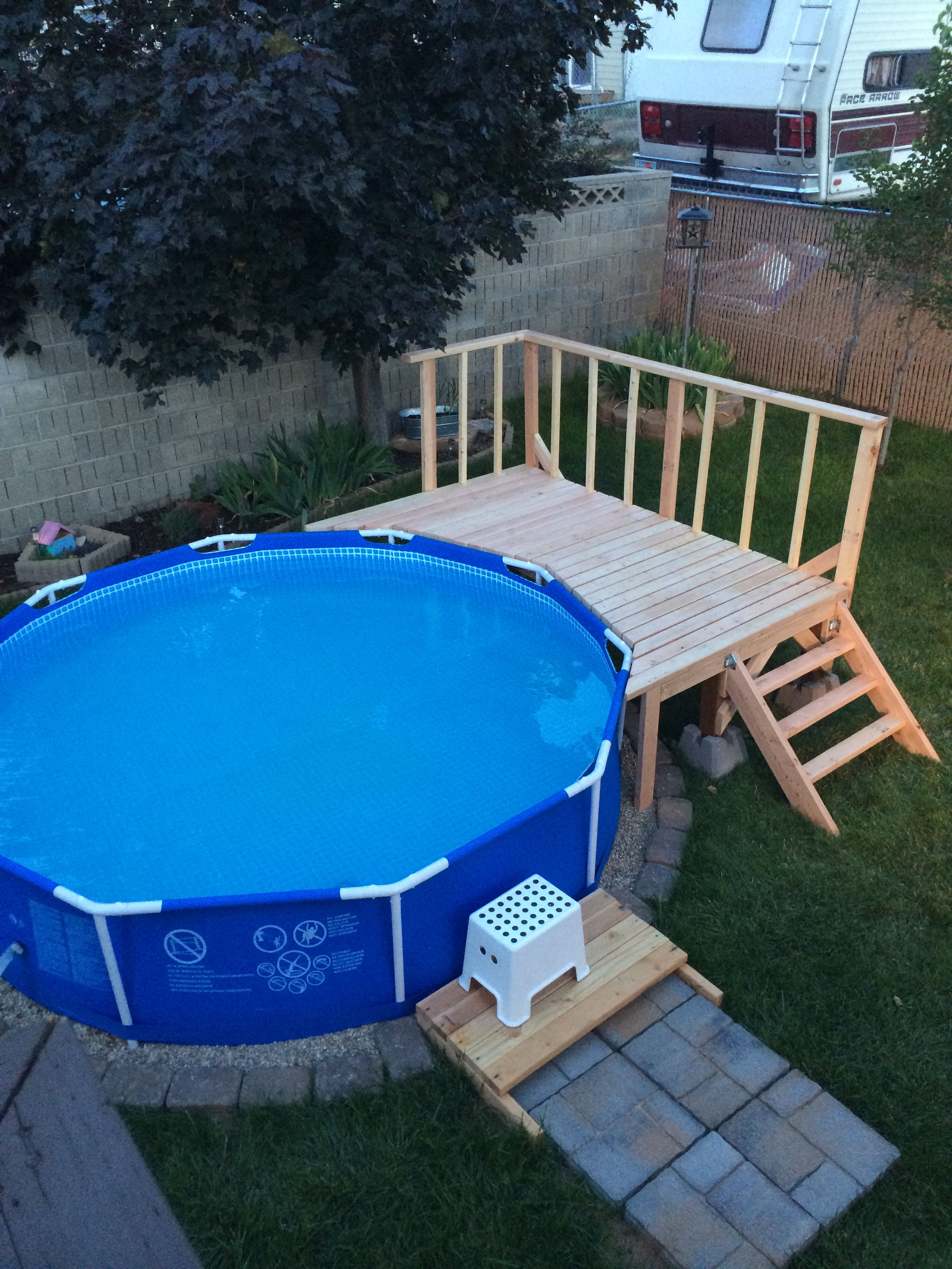 Intex Oder Bestway Frame Pool My Pool Deck Not Very Big But Perfect For The Backyard
