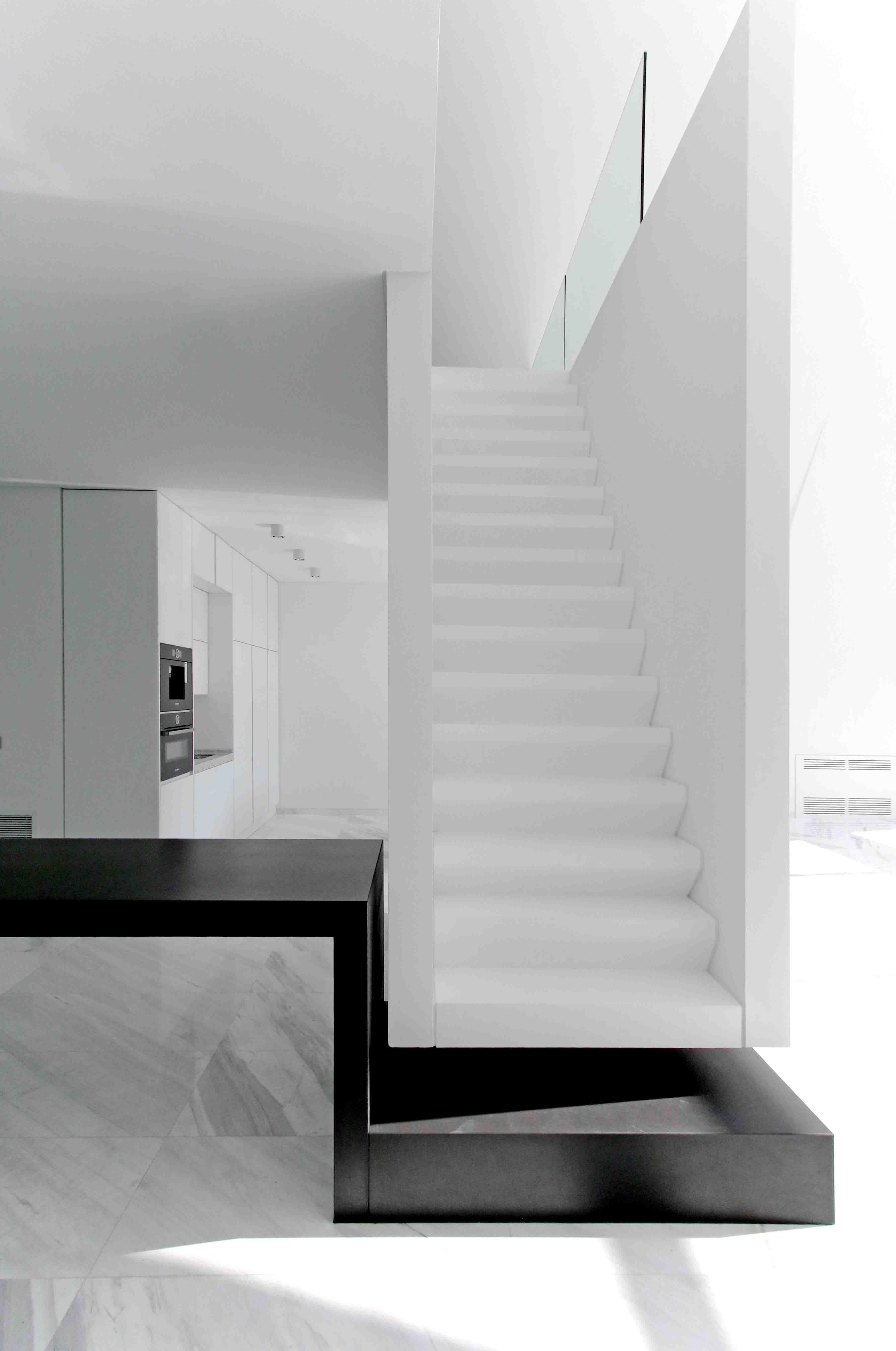 Best Villa For Older Borther Stairs Handle Wood Stairs Villa 400 x 300