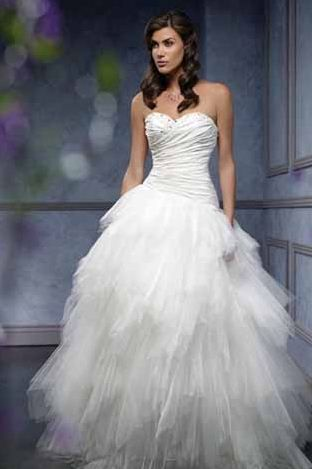 Can wear my hair down with my ball gown? : wedding Hair Down ...