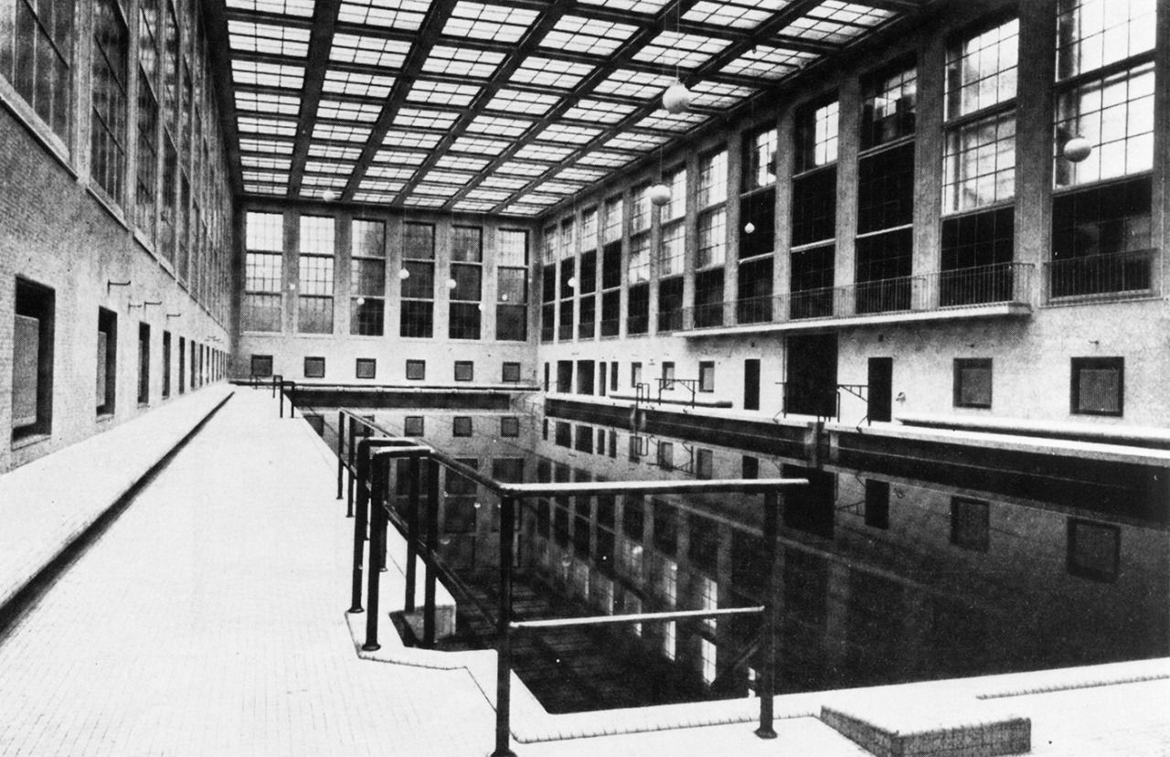 Stadtbad mitte james simon indoor swimming pool berlin - Indoor swimming pool berlin ...