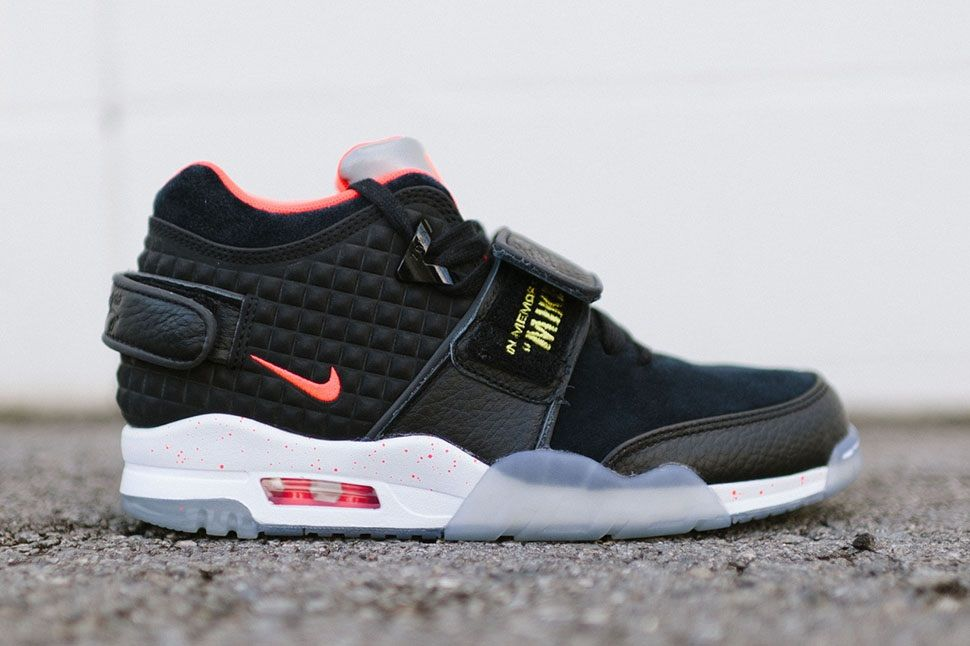 "sale retailer 38305 15aff Nike Air Trainer Victor Cruz QS ""In Memory of Mike"""