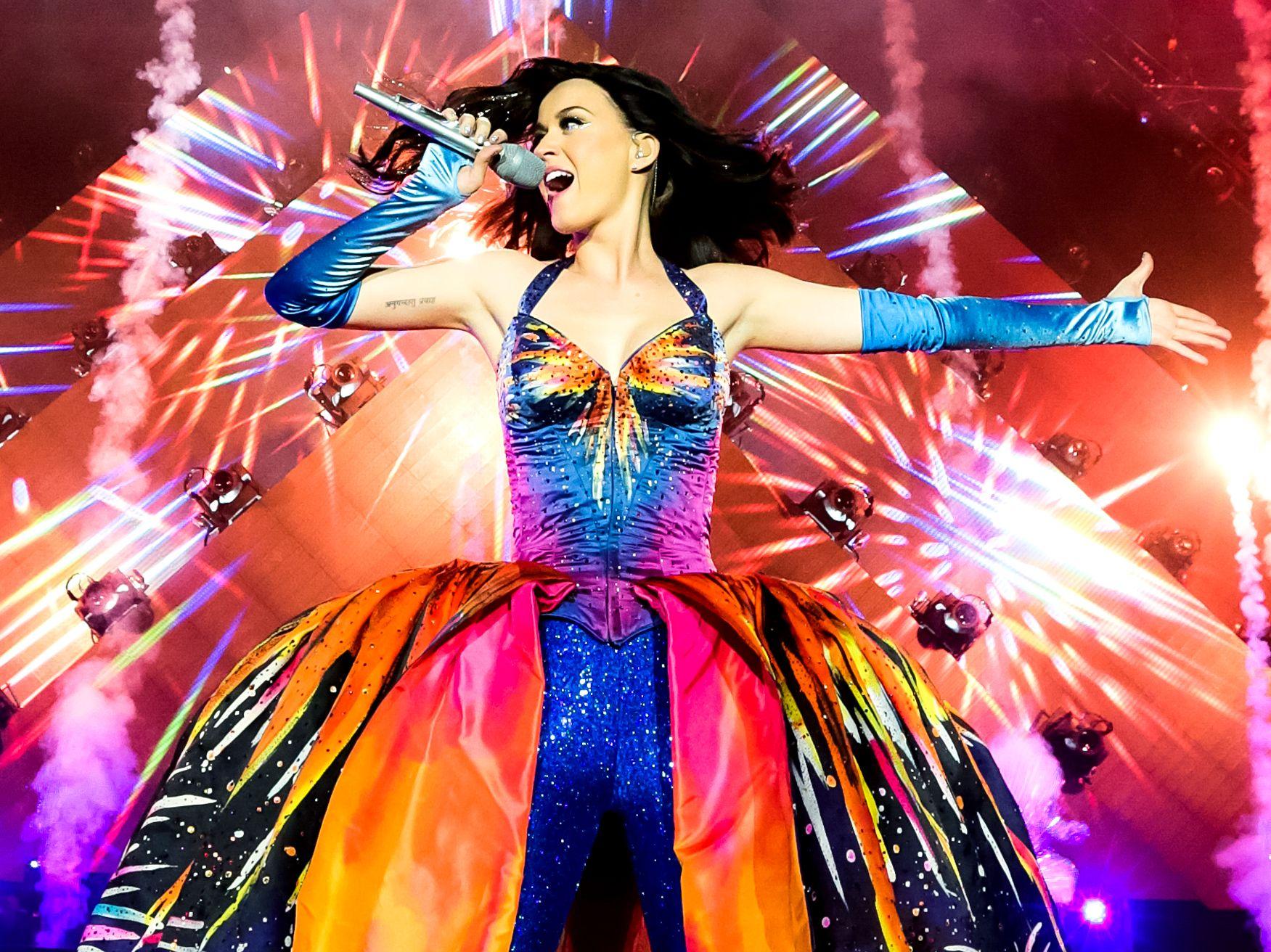 Katy Perry encerra passagem pelo Brasil com show em Curitiba | Jornal O Regional