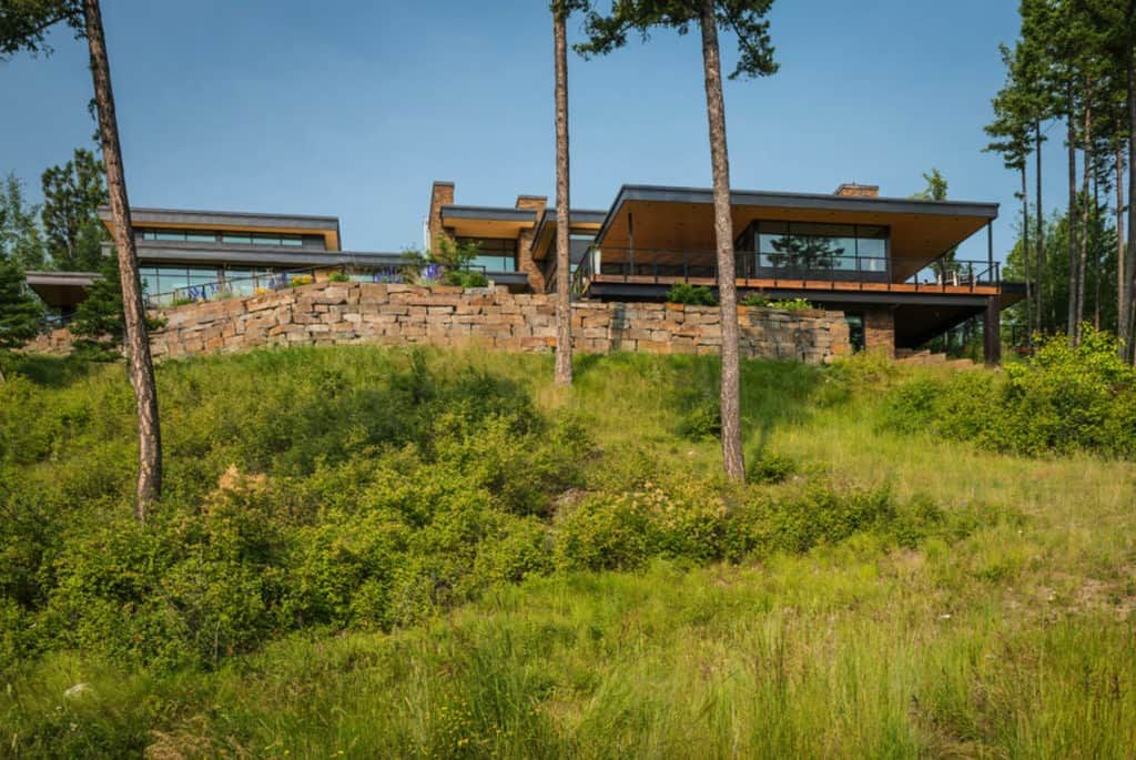Impressive contemporary mountain retreat in Montana built ... on Outdoor Living Space Builders Near Me id=76998