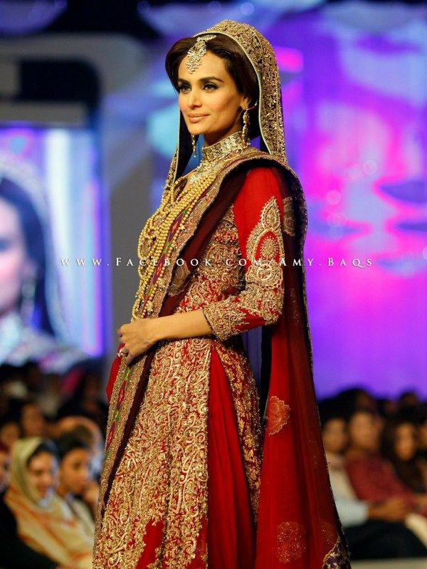 90a26a4707 HSY Collection At Pantene Bridal Couture Week 2013. Love the sleeve detail,  dupatta and overall colors for baraat.