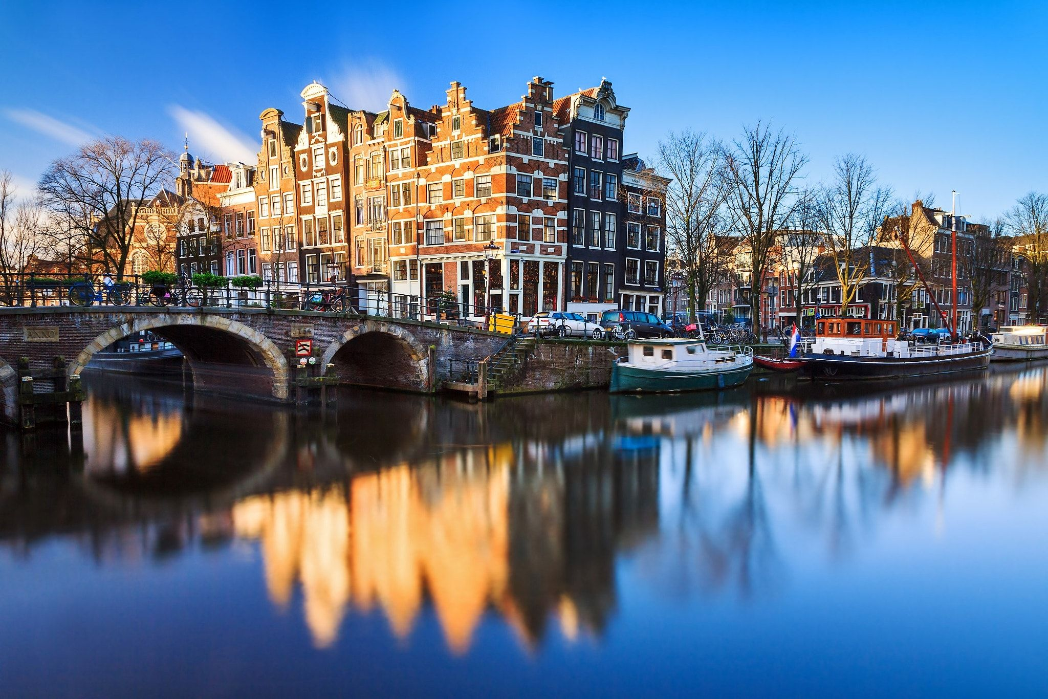 Amsterdam Brouwersgracht - Just 5 minutes from my home are the famous canals of Amsterdam. This is a long exposure of one of the most photographed spots on the canals at the 'Brouwersgracht' ;)