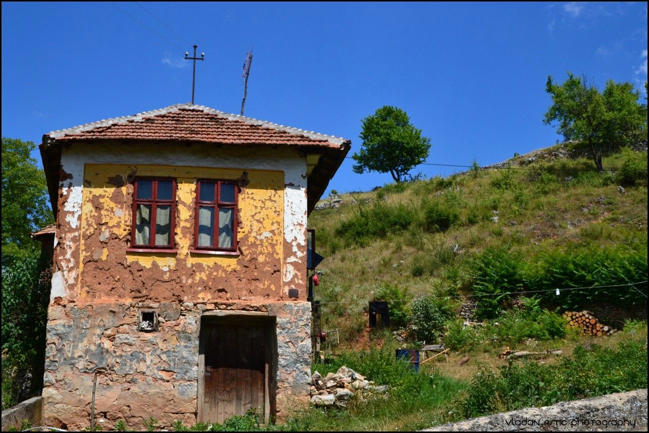 Old house in Rasnica