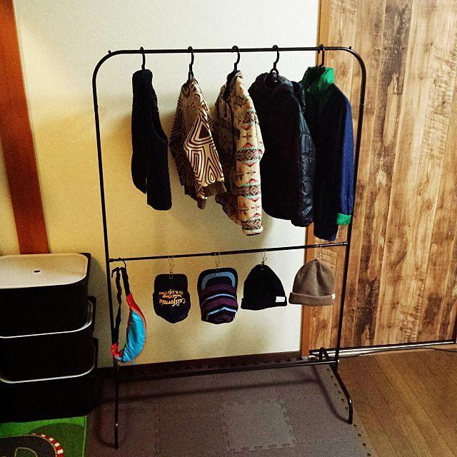 つっぱり棒でできる デッドスペースを活用するアイデア Ikea 洋服ラック 洋服ラック インテリア 収納