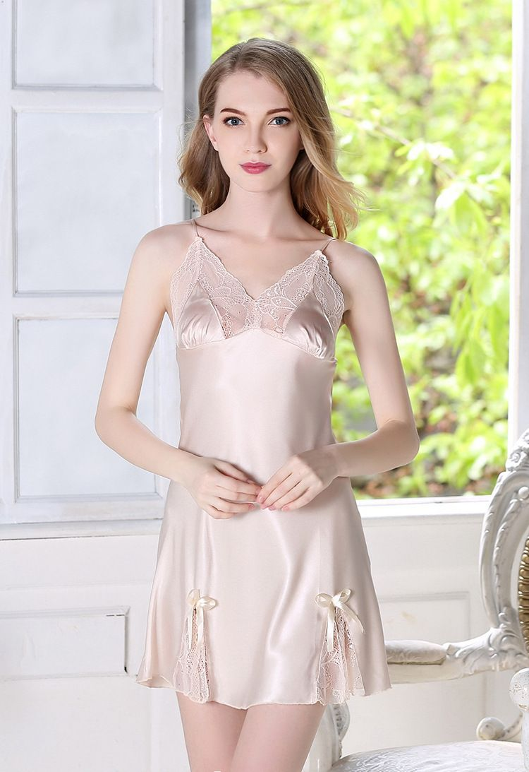 bbdc34437 أزياء الدانتيل باس النوم المرأة مثير العميق الخامس الرقبة ثوب النوم ملابس  نوم الحرير زلة ثوب