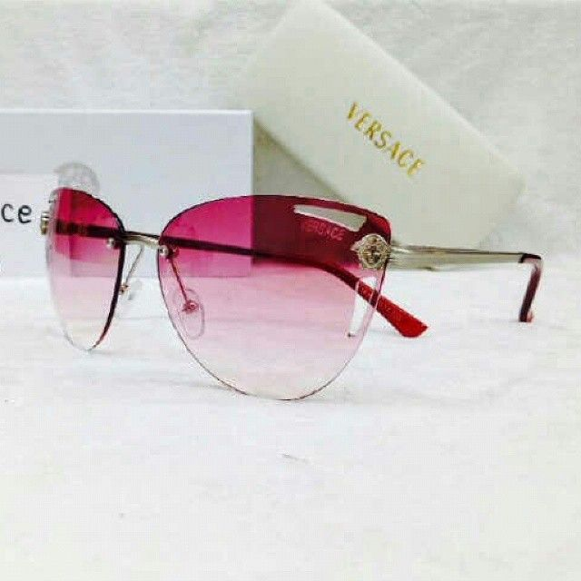 Kacamata Sunglass Versace 1163 ungu  Harga Rp 180.000  Super FULL SET * Sertifikat * Box * Hard Case ( untuk menyimpan kacamata) * Lap (untuk membungkus kacamata dan membersihkan kacamata)  #jamtangan #jamtanganbaru #jamtanganori #jualjamtangan #arloji #arlojibaru #arlojiori #jualarloji #watch #watchshop #jamretro #retrowatch #versace #jamtanganversace #versacewatch