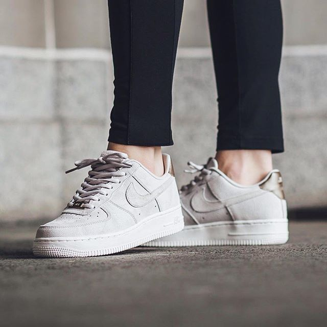 Tendance Basket 2017 Sneakers femme Nike Air Force 1 Premium Suede by  Titolo Shop