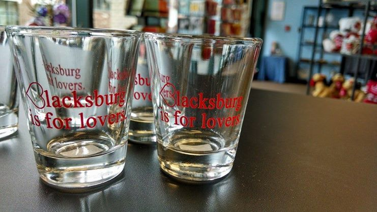 A  better look at the shot glasses!