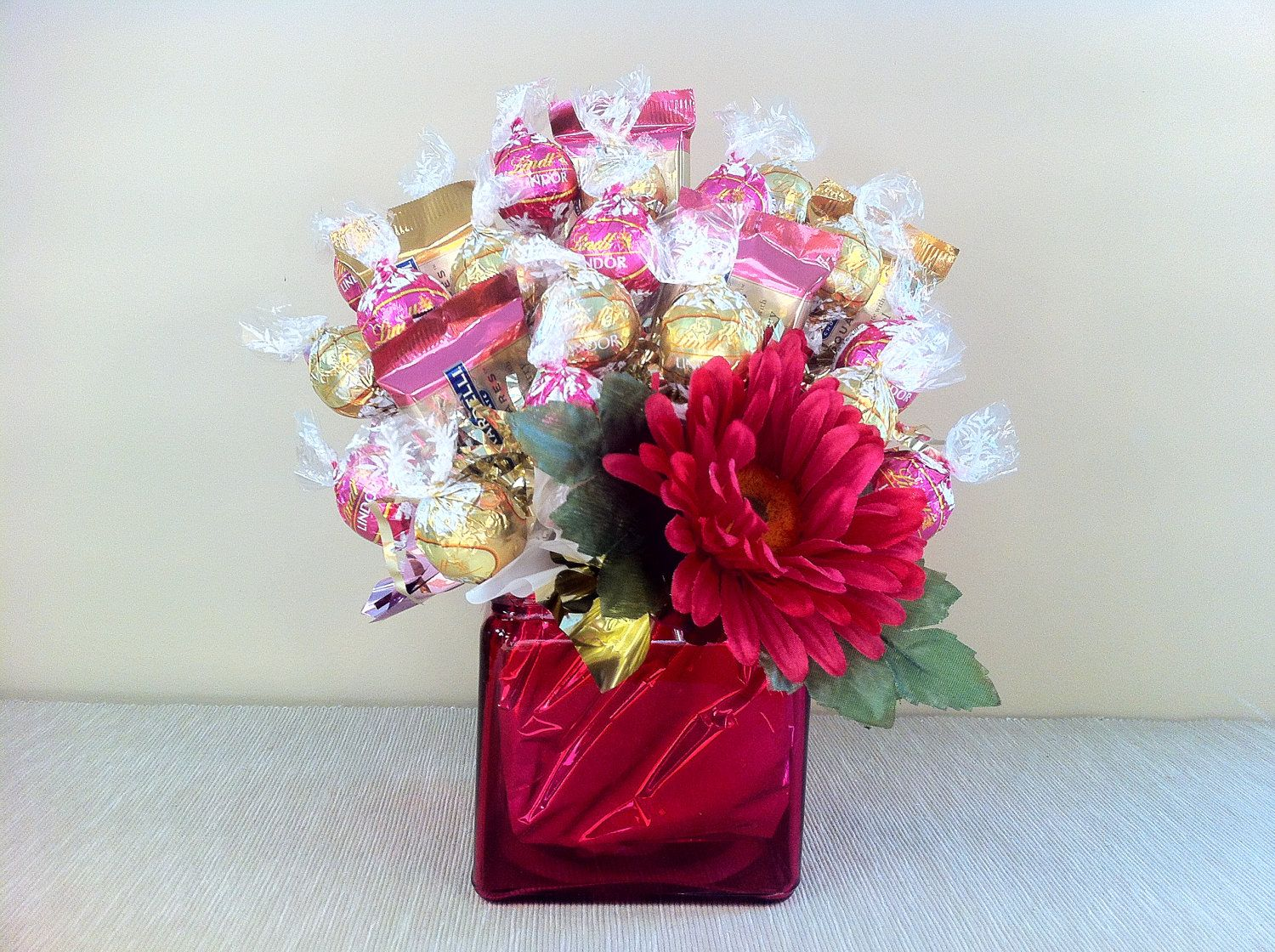 Chocolate bouquet on pinterest candy flowers bouquet of chocolate - Chocolate Candy Bouquet