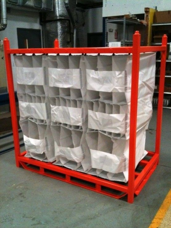 Returnable Shipping Rack With Hanging Fabric Bags For