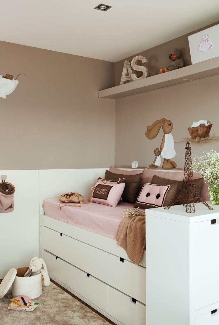 Zimmer einrichten für Mädchen mit Bett und Couch in einem ...