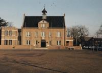 Gemeentehuis: Wilhelminaplein.