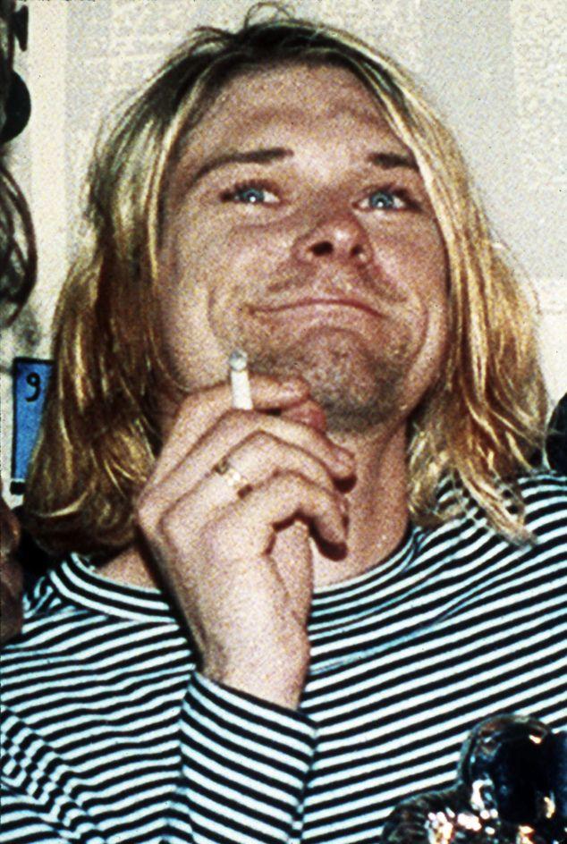 kurt cobain smiling | Kurt Cobain | Pinterest