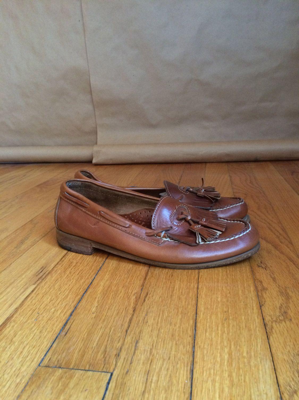 c6e39be79d405 vintage 1980's leather tassel loafers / mens loafer shoes / vintage ...