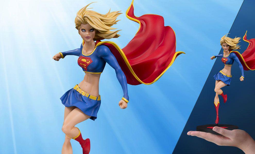 DC Designer Series Supergirl by Michael Turner résine statue