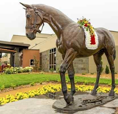 Bronze statue of the famous horse Seabiscuit at Howard Memorial Hospital.