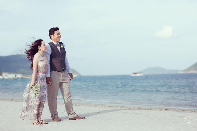 Bride & Groom: Minh Phượng, Ngọc Lâm  Photographer: Đăng Thiện (Dolphin Li)  Facebook   Google +  Made by Ồ studio   www.opro.vn    Location: Biển Côn Đảo  ...................................................................    Mọi chi tiết về chụp ảnh, vui l http://phongthuyvadoisong.com/  http://phongthuyvadoisong.com/495/San-Pham/da-turquoise-ngoc-lam-turquoise.htm