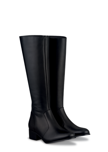 Boots in up to 21 calf sizes & shoes and ankle boots in 3 widths.
