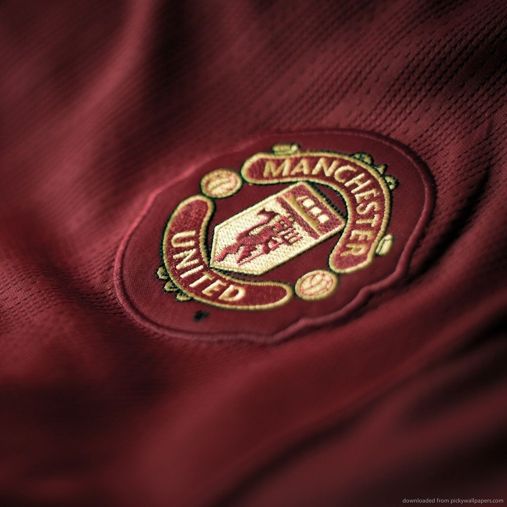 all you need to know about football manchester united wallpaper manchester united football manchester united badge manchester united
