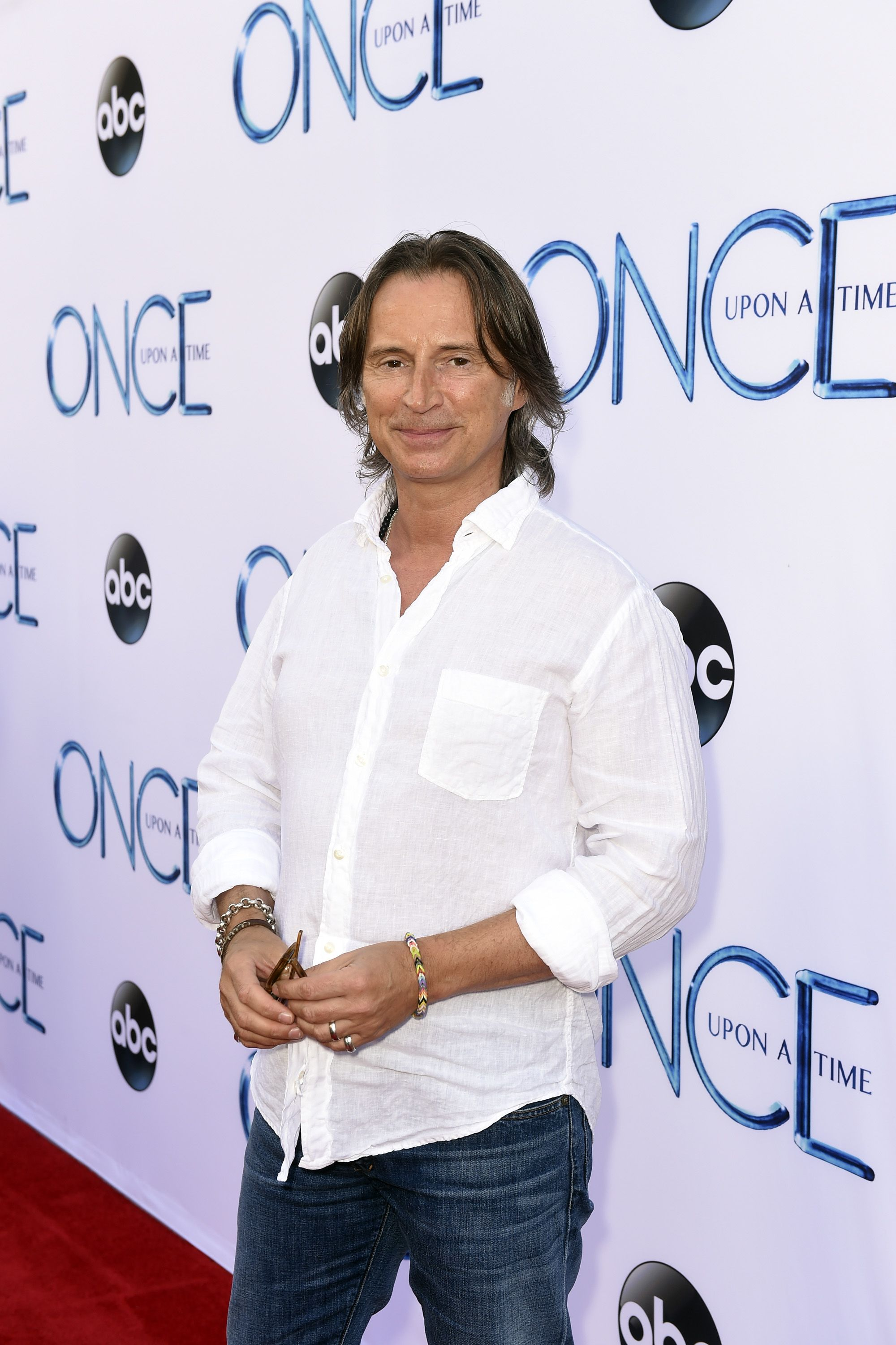 This guy right here is FINE #OnceUponATime