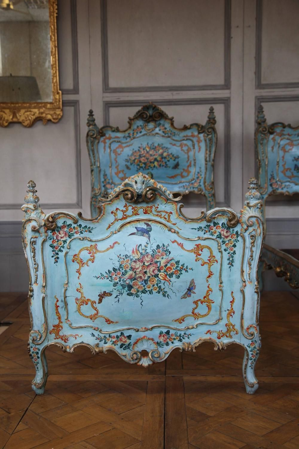 Early 19th Century Pair Of Venetian Beds Modern Bedroom  # Meuble Collection Brady