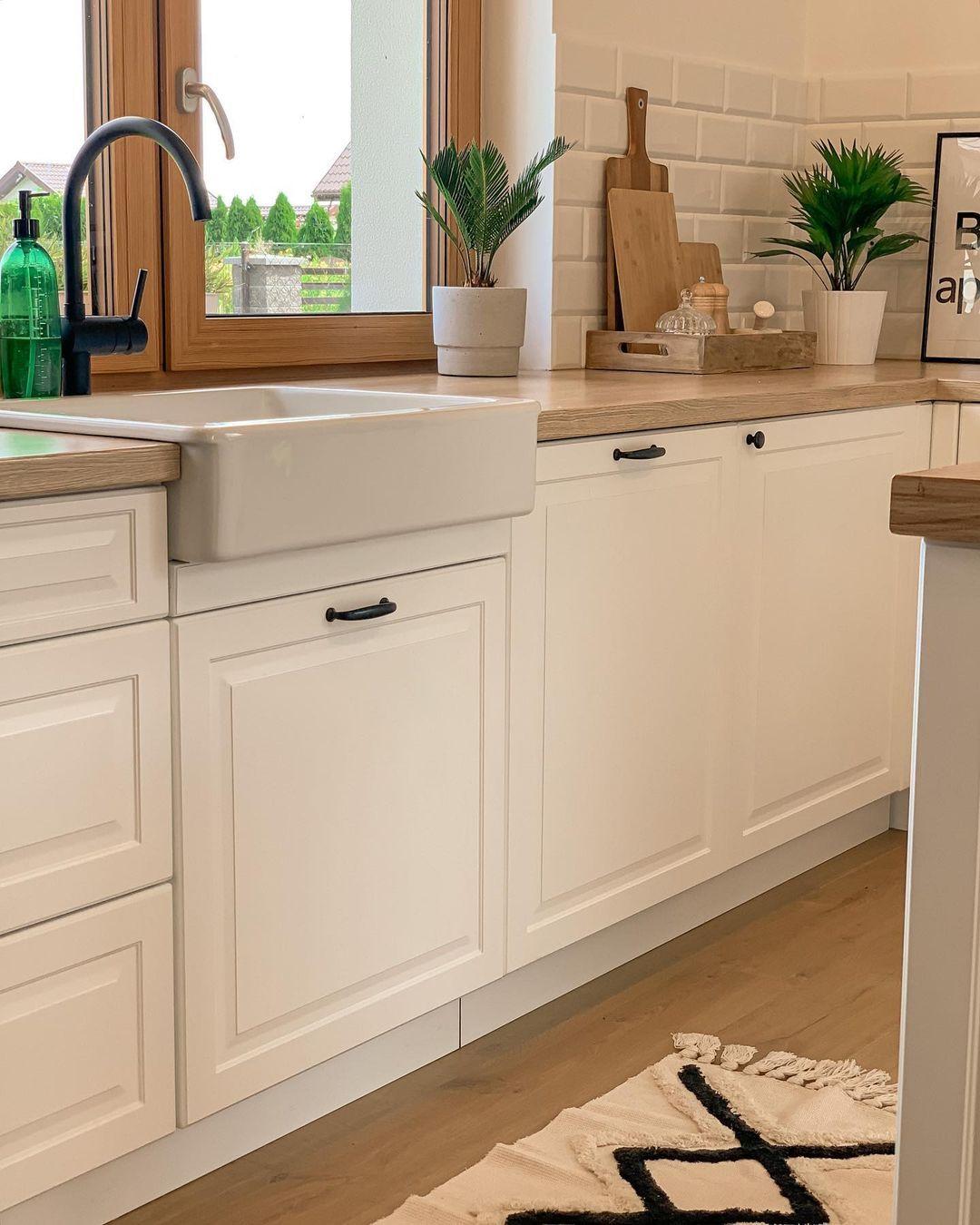 Magdalena On Instagram Ostatnia Godzinka By Wziac Udzial W Fotowyzwaniu Temat Kuchnia Serce Domu Czekam Do 1 In 2021 Kitchen Design Kitchen Kitchen Cabinets