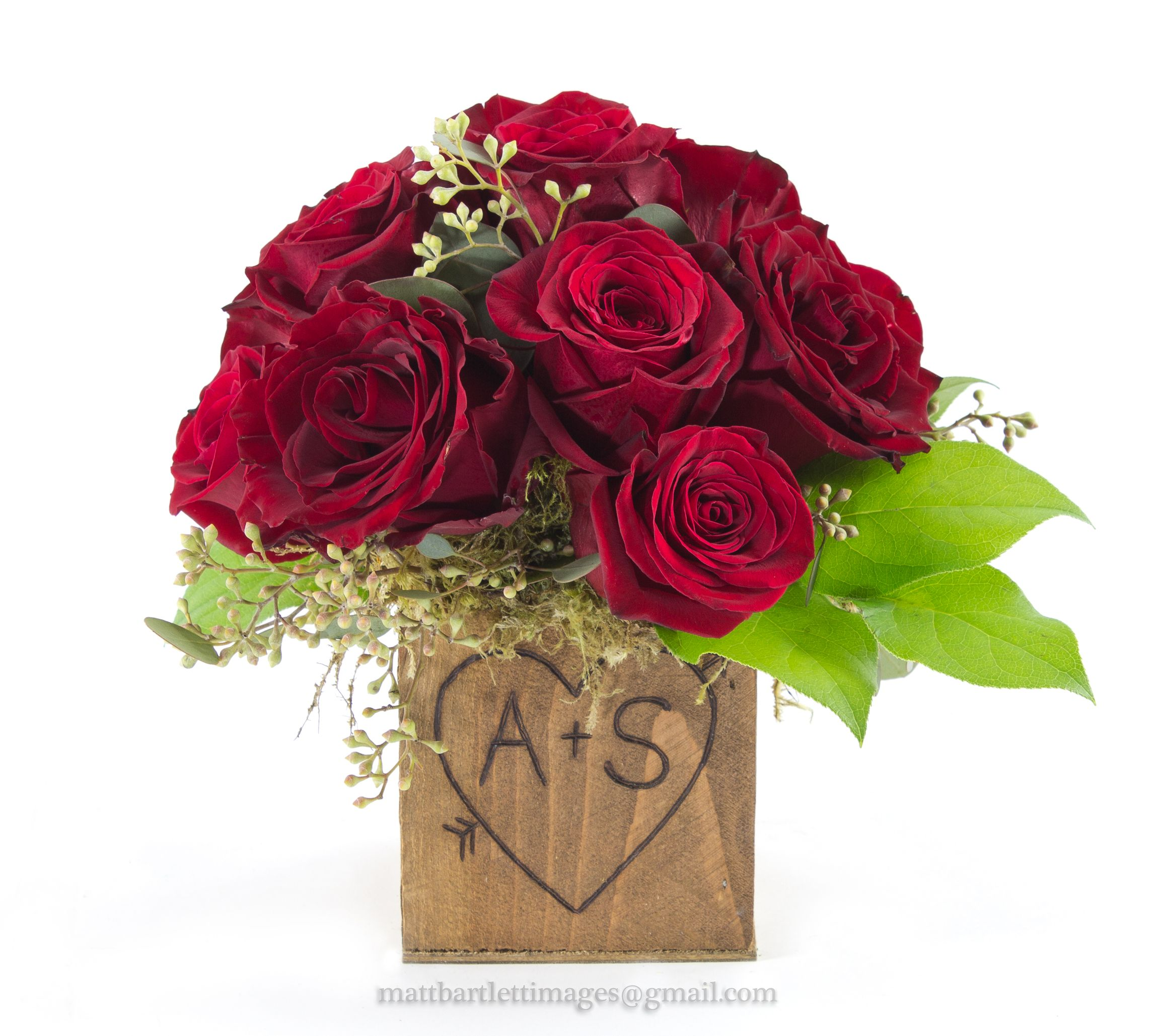 Wedding Flower Tips: Rustic Wedding Flowers...red Rose Centerpiece