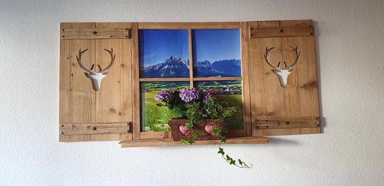 Deko Fensterladen Mit Sprossenfenster Und Regal Fensterladen Holz Deko Altholz Deko