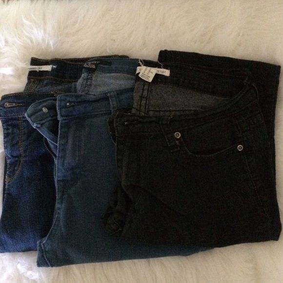 Bundle 3 Pair Forever 21 Jeans Gently worn Forever 21 Jeans. 1 price for 3 pair!!! All size 29 Forever 21 Jeans