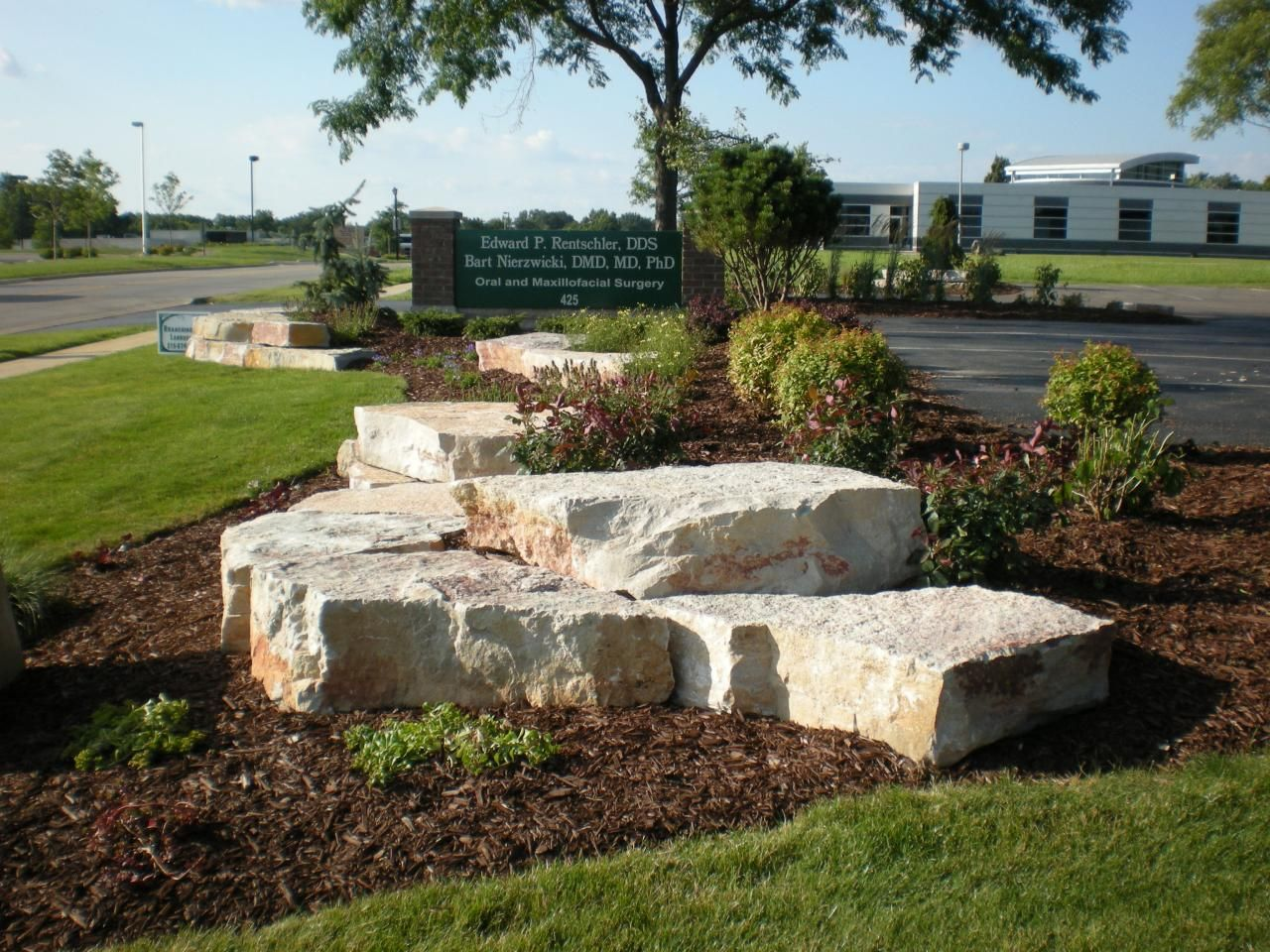 Chilton Outcropping Stone Landscaping Landscaping With Rocks Landscaping With Boulders