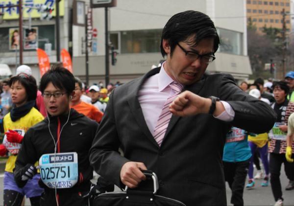 これが日本のサラリーマンってヤツか