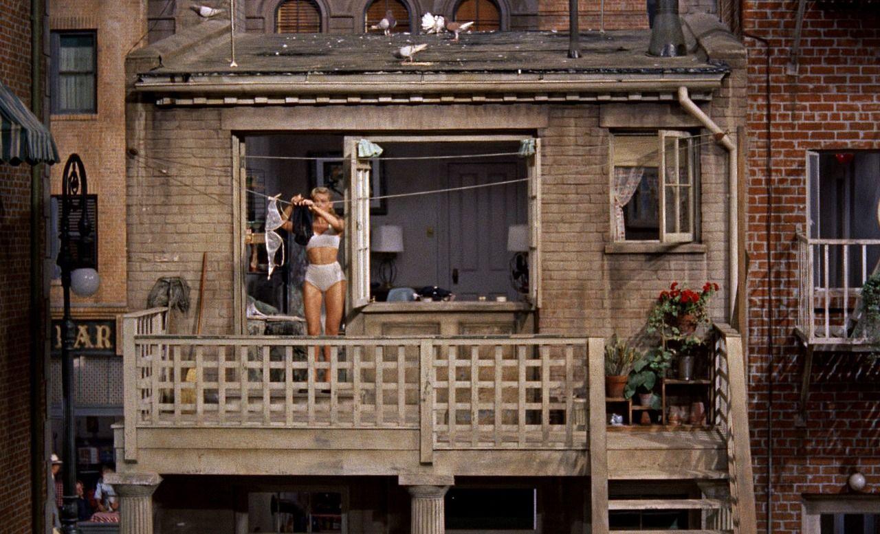 алиса уже зачем фотографируют чужие окна окономияки