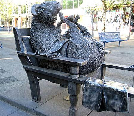 Bizarre Statues Google Search Statue Outdoor Art Sheep