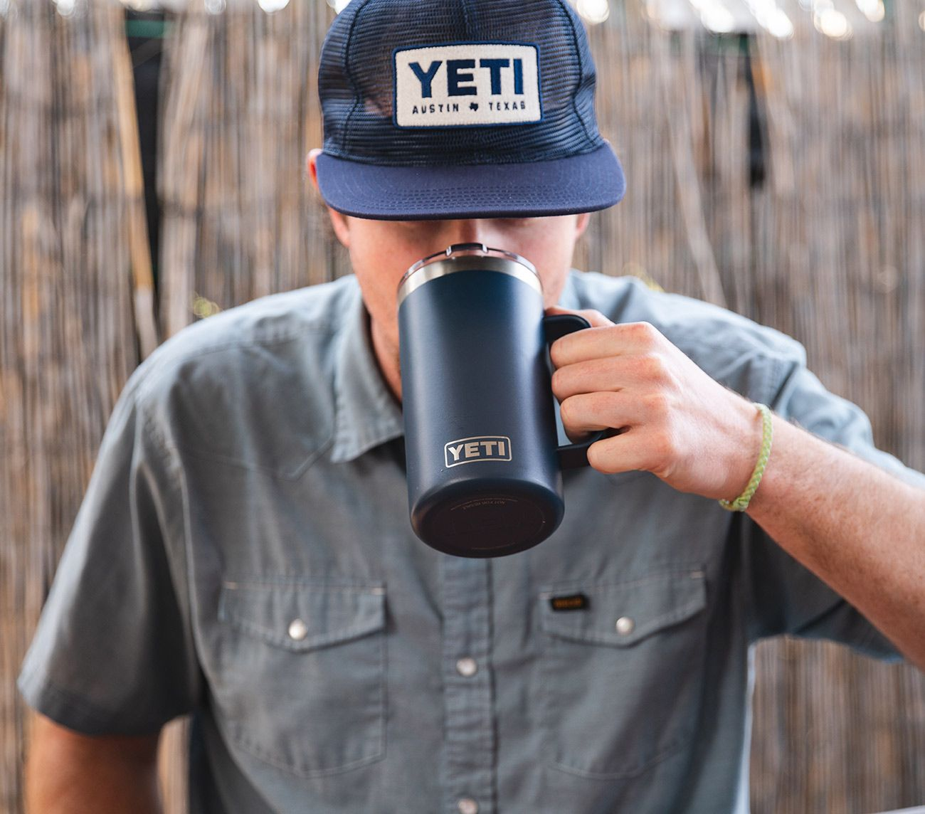 Navy Rambler 24 oz Mug YETI (With images) Yeti cooler