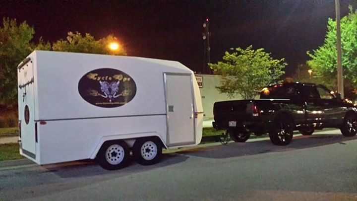 16 Chariot Fiberglass Enclosed Trailer For Motorcycles Utility