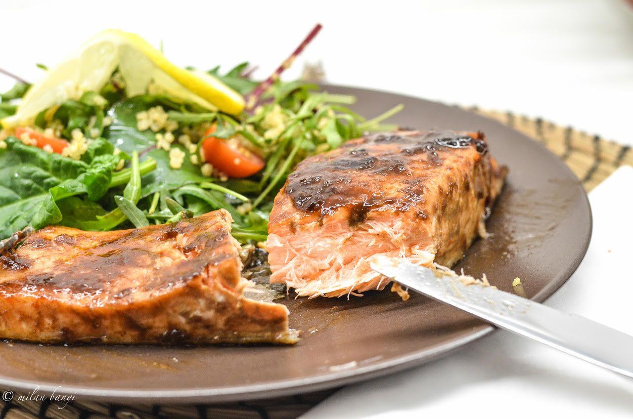 Opäť…ako inak ani teraz neviem popísať chuť tejto mojej tvorby, je úžastná :)Ingrediencie na 1 väčší alebo na 2 menšie kúsky lososa:2 polievkové lyžice o