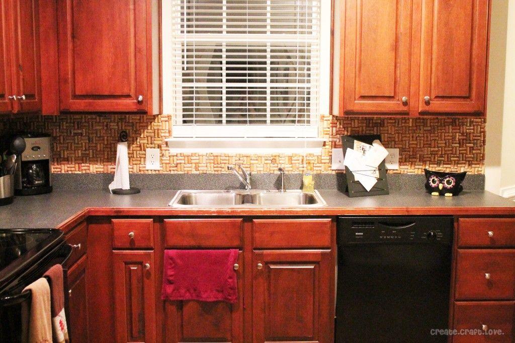 DIY Wine Cork Backsplash Diy kitchen, Modern kitchen