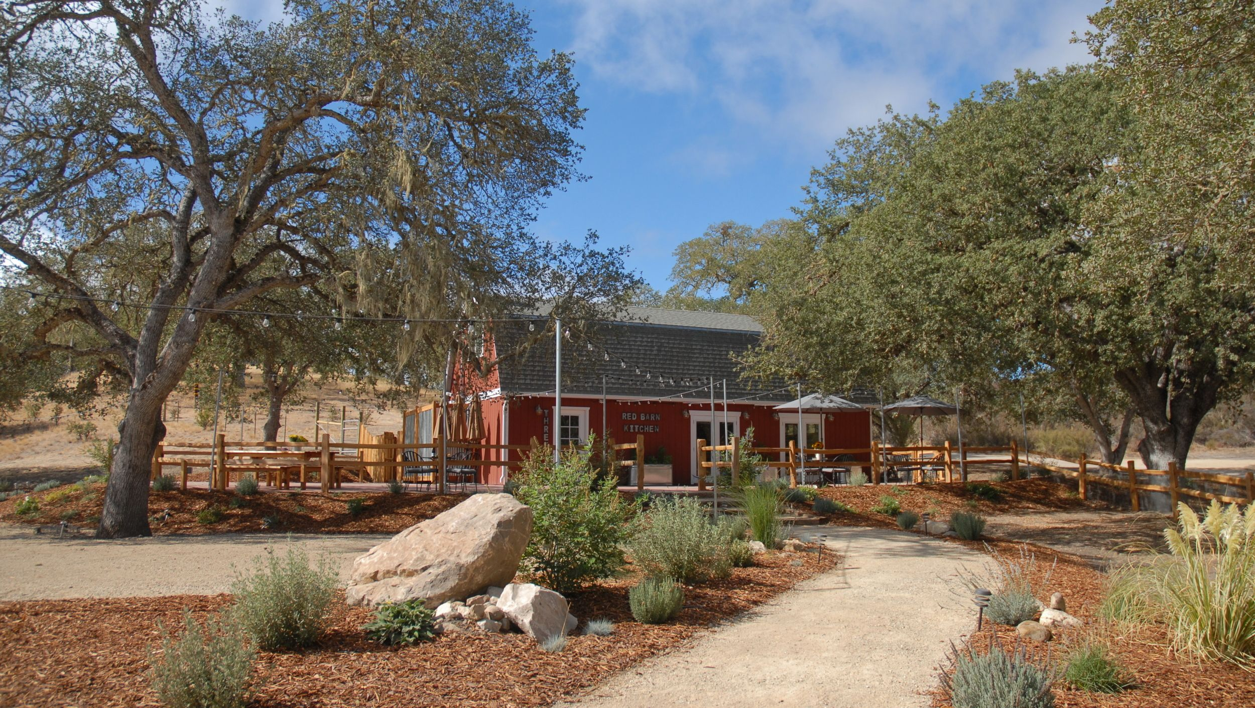 Rancho Dos Amantes Paso Robles Farm stay, Wine house