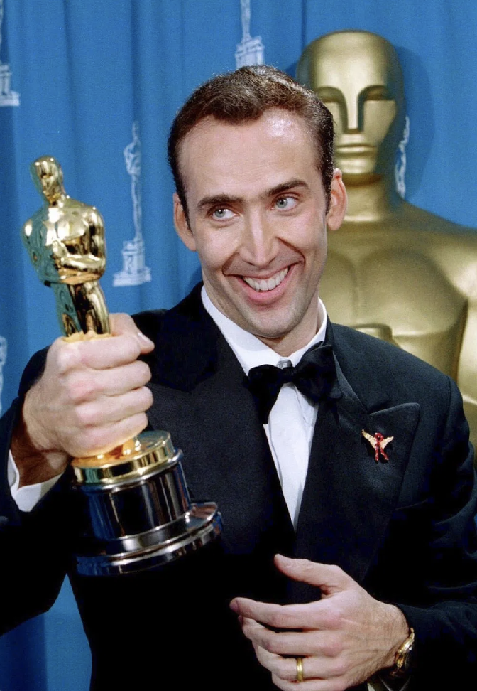 Weird Things Academy Award Winning Actors Have Done With Their Oscar Statues Bad Film Oscar Award Actors