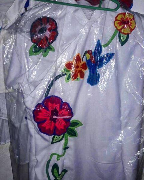 Personaliza tu vestidos con molas. #molaspanama