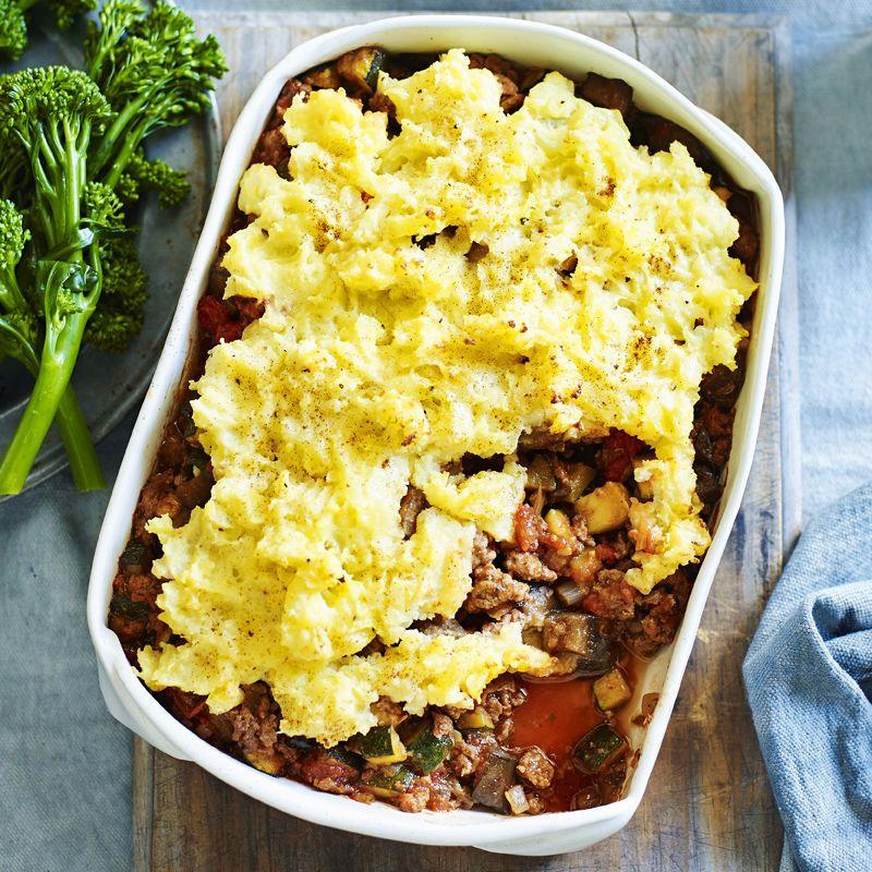 A Healthier Ww Recipe For Greek Shepherd S Pie Ready In Just 40min Get The Smartpoints Value Plus Browse 5 000 Other Delicio Recipes Ww Recipes Shepherd S Pie