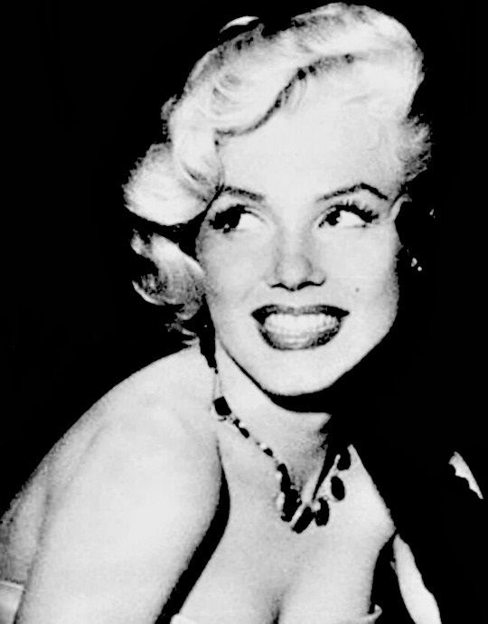 "alwaysmarilynmonroe: """"Marilyn in January 1953. "" """