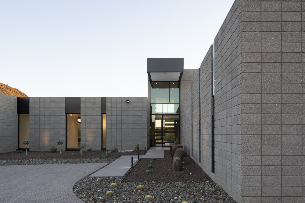 Photo 3 Of 20 In Troon Modern By Brent Kendle Kendle Design In 2020 Concrete Blocks Modern Beach House Modern Exterior