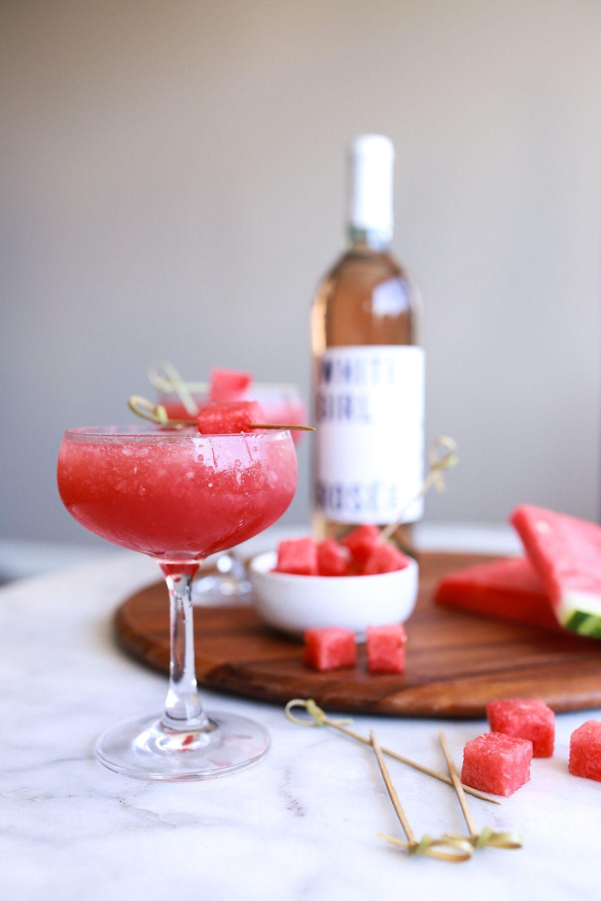 White Girl Rose Wine Rose Wine Rose Slushies How To Make Rose Slushies My Style Vita Mystylevita Slushies Frozen Cocktails Yummy Drinks