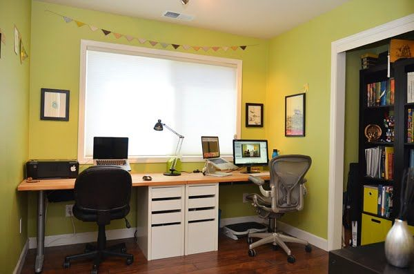 Nice built in look made with ikea table tops cut to for Ikea galant bureau debout hack